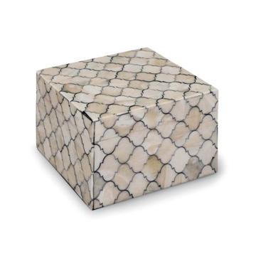 Picture of MOSAIC QUATREFOIL BOX, SM