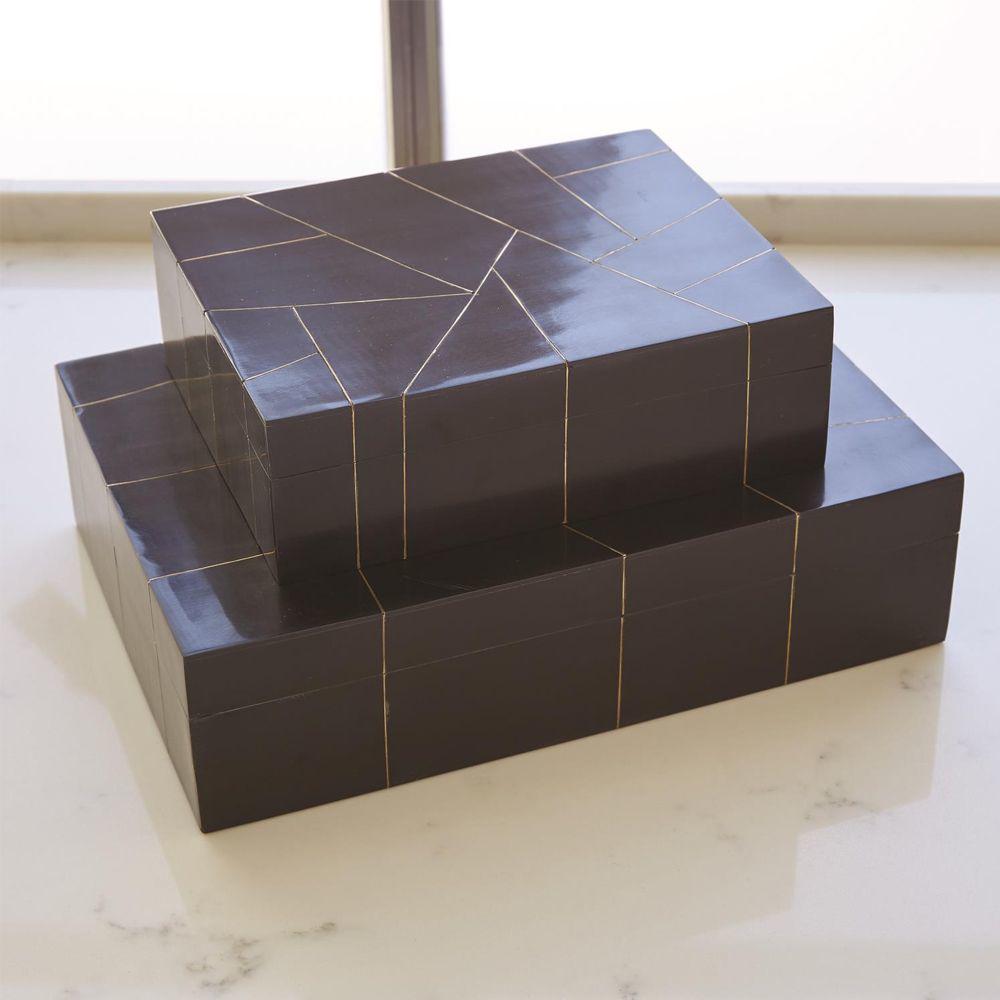 Picture of HEPBURN BOX-BLK/BRS FILET, LG