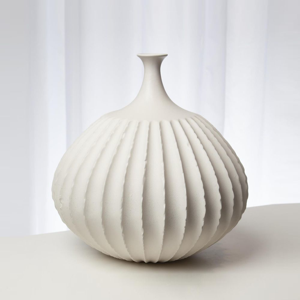 Picture of SAWTOOTH VASE RUSTIC WHITE, SM